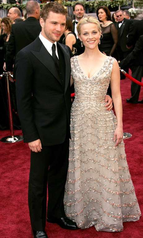Photos of Former Couples Walking Oscars Red Carpets Past That Will Make Your Heart Hurt:    RYAN PHILLIPPE & REESE WITHERSPOON:    In 2006, Witherspoon was nominated for Best Actress in a Leading Role for her performance in Walk the Line — and won.