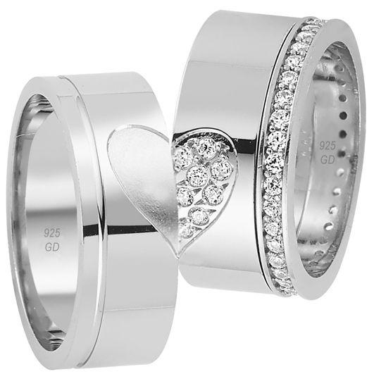 Kalp Figürlü Söz Yüzükleri - Üzerinde kalp figürü olan 925 ayar gümüş çift söz yüzüklerinde bayan modelinde kullanılan taş zirkon taşıdır. / http://www.yuzuksitesi.com/kalp-figurlu-soz-yuzukleri-10028