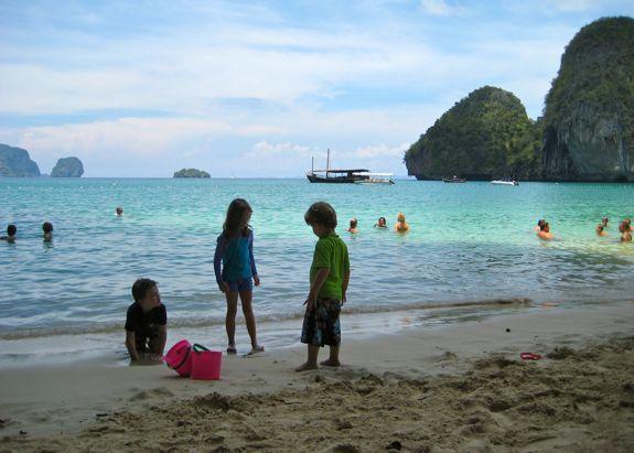 kids-beach-krabi-thailand
