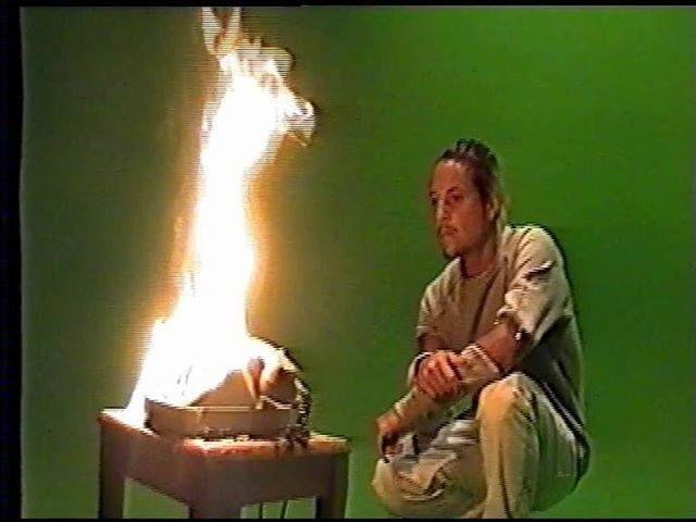 """NEKFEU: """" Quand @hugzhefner me fais écouter au téléphone les arrangements qu'il a fait sur notre nouvel album $-crew... #1erExtraitBientot #2emeAlbum #SeineZooRecords """" #NEKFEU #FEU"""