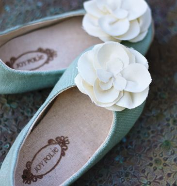 Joyfolie.com has handmade baby shoes that are simply divine...why aren't they adult sized???