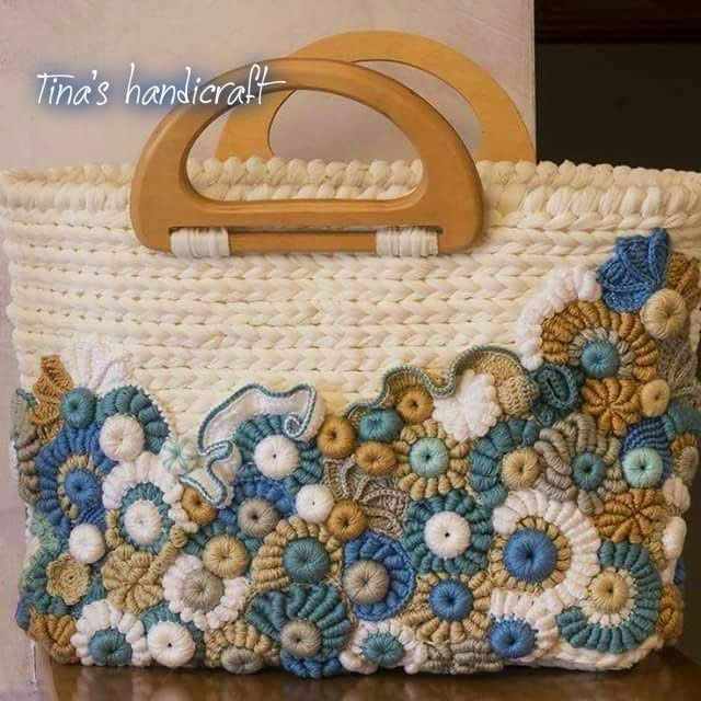 http://tinashandicraft.blogspot.it/search/label/bags?updated-max=2015-05-09T18:32:00+03:00