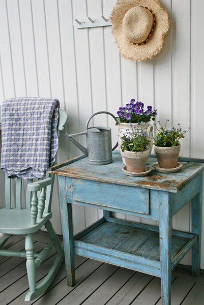 summer porch vignette