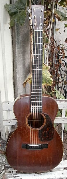 Rare Martin 0-18 flat top acoustic guitar    From www.palmguitars.com