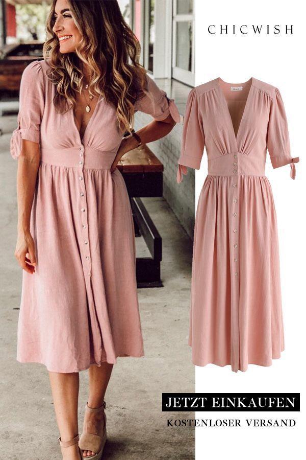 Sommeredition Pfirsichfarbenes Kleid mit V-Ausschnitt und Knopfverschluss