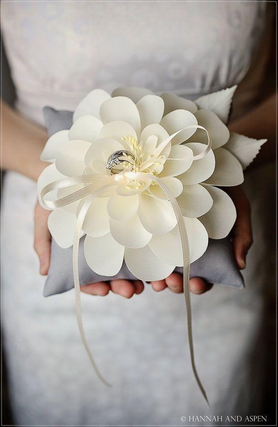 Jen anillo de bodas almohada de 6 x 6 por HannahAspensbridal