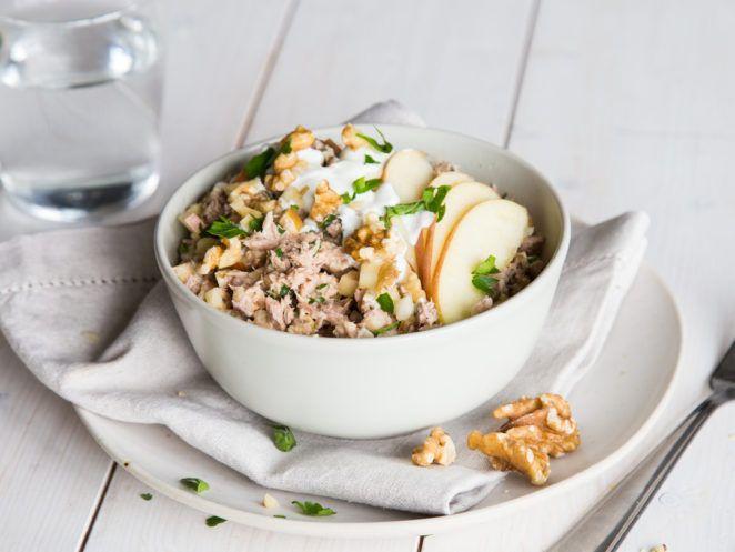 Fitness-Thunfisch-Salat mit Apfel und Walnüssen