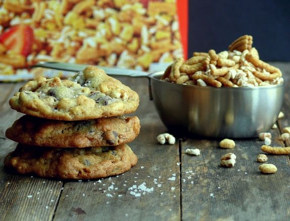 Dark Chocolate Sea Salt Kashi Cereal Cookies My absolute favorite cookie!! Will be on every holiday cookie tray!!