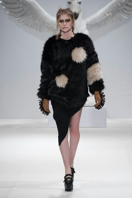Dora Abodi catwalk