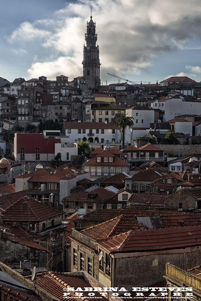 A ciel couvert. Photographie prise à Porto.  https://www.facebook.com/estevesphotographe https://500px.com/sabrinaestevesphotographe  Envie de vous offrir un tableau de paysage, veuillez me contacter par e-mail : sabrinaesteves@laposte.net