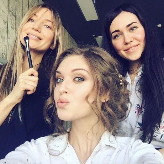 Наши феи красоты @eli_beauty_m и @diana__make_up в деле  Repost from @galita_u Красивые милые феи @cosmotheca_backstage #космотека #космотекасамара #cosmotheca #cosmothecasamara #cosmothecabackstage