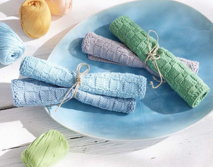 gestrickte Spültücher aus Schachenmayr Baby Smiles Cotton -Farben einfach passend aus der umfangreichen farbkarte aussuchen! Foto: Olaf Szczepaniak