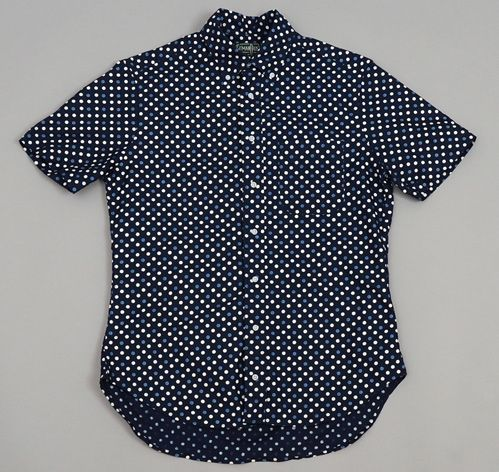 THE HILL-SIDE SHORT-SLEEVE SHIRT, SELVEDGE INDIGO DISCHARGE PRINT, POLKA DOTS  I really love this pattern of fabric. Hill-side has some truly great fabrics made in their name and if I won the lottery I would buy two or three of these shirts without a second guess. Heck if I had a decent job I would buy one and just deal with it.