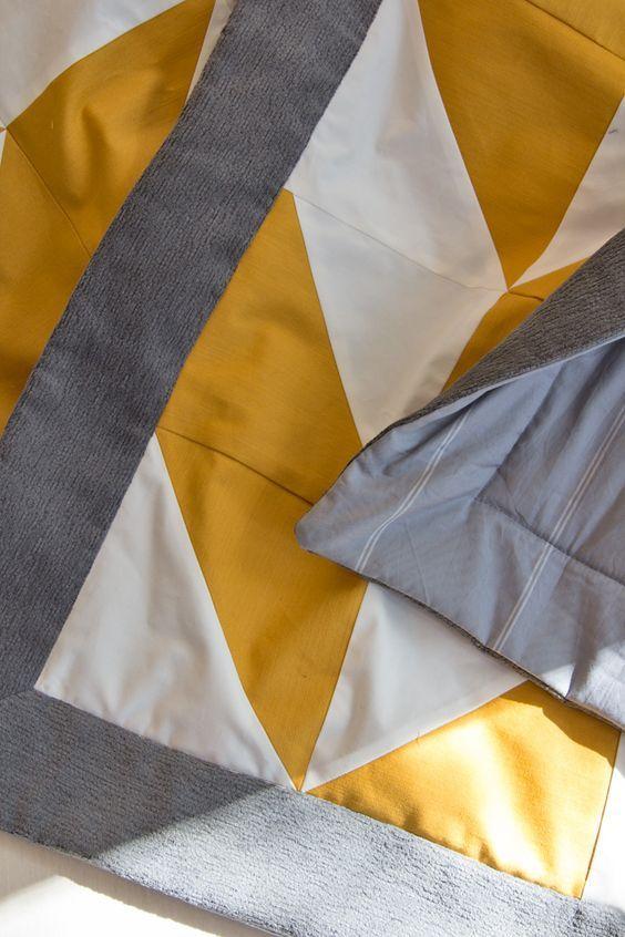 die besten 25 krabbeldecke patchwork ideen auf pinterest patchwork decke n hen. Black Bedroom Furniture Sets. Home Design Ideas