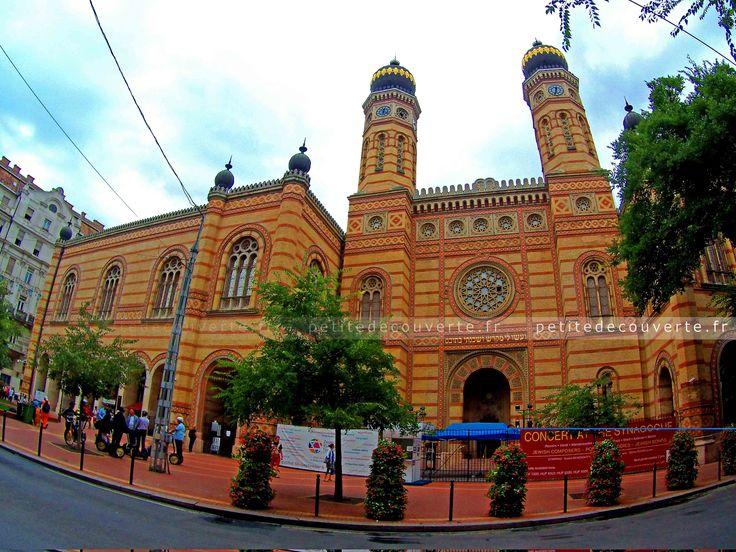 • grande synagogue • #budapest#grandesynagogue#pest#hongrie#zsinagoga#petitedecouverte#travel   ♡ Encore plus de découvertes et de voyages sur www.petitedecouverte.fr
