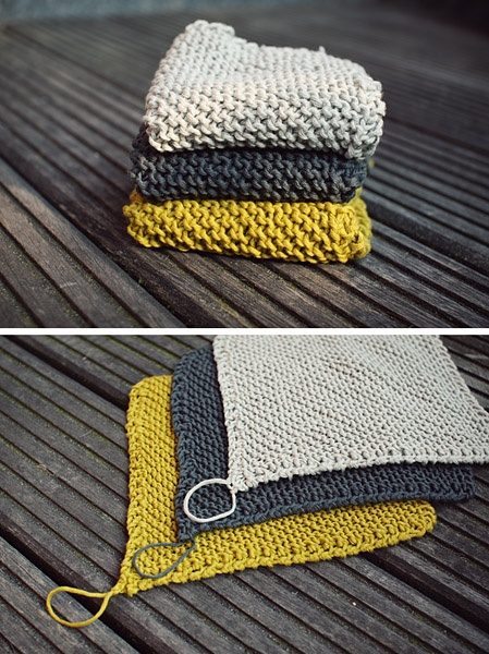 Dishcloths. Pattern can be found here http://www.ravelry.com/patterns/library/dishcloth-duo