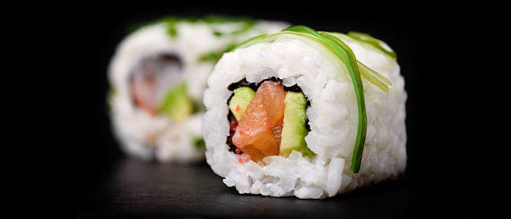 Qué beber con el sushi: http://www.bebidasycopas.com/publicidad/que-beber-con-el-sushi/  #bebidas #sushi