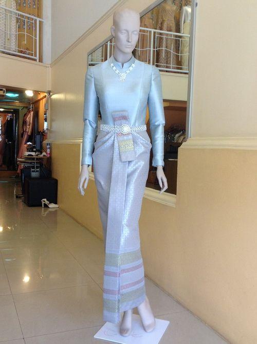 ชุดไทยแขนยาว เทเลอร์เมด ตามไซด์ สีฟ้า ชุดไทยบรมพิมาน Thai wedding dress.