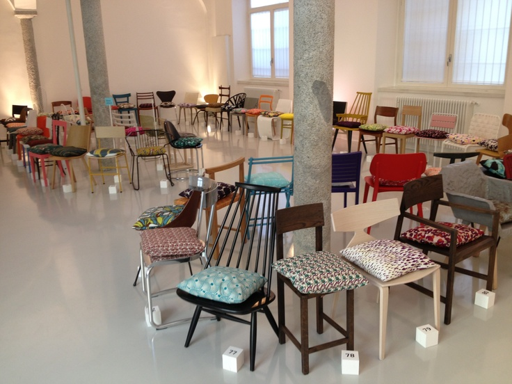 Laura Urbinati, ONE HUNDRED PILLOWS FOR ONE HUNDRED CHAIRS