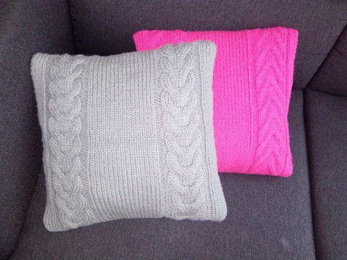 Krásné pletené polštáře z příjemné vlny YETTI ihned k dispozici.  Možno objednání v jakékoli barvě.   Dodací lhůta zboží, které není právě k dispozici je 14 dní ;)  Cena je za oba polštáře.