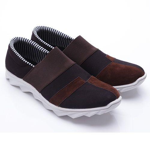 Original Sepatu Dr.Kevin Colorado - Hitam/Coklat | Deskripsi : Sepatu Kasual/ Santai Warna Hitam/ Coklat Upper Suede/Sintetis Sole TPR | Ketersediaan Size = 39, 40, 41, 42, 43 | IDR 385.000