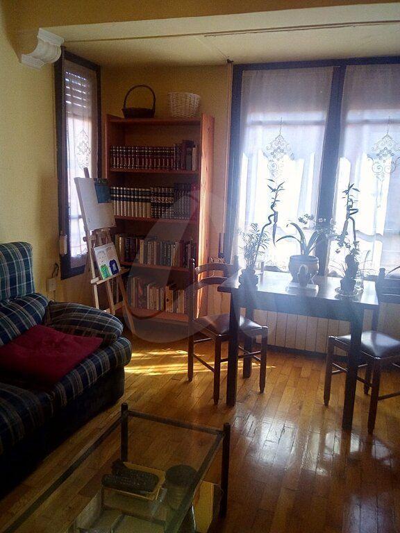 Vivienda Luminosa Con Salon Cuatro Habitaciones Armarios