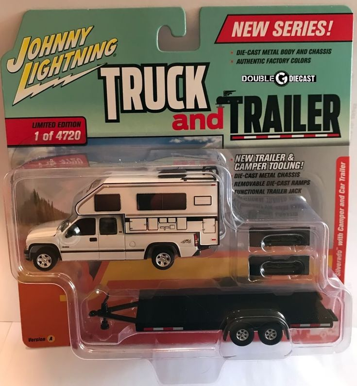 1:64 Johnny Lightning Truck & Trailer 2018 Release 1A * 2002 Chevy Silverado #JohnnyLightning #Chevrolet