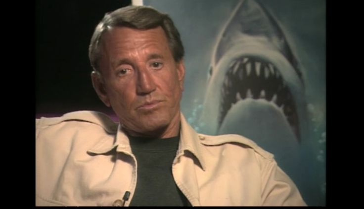 Roy Richard Scheider (10 de noviembre de 1932; Orange, Nueva Jersey — 10 de febrero de 2008; Little Rock, Arkansas), fue un actor de cine estadounidense.Tras el éxito de French connection, volvió a trabajar con Philip D´Antoni en la cinta de acción Los implacables, patrulla especial (The 7ups), en la que Scheider pasó de ser un actor secundario a ser el protagonista principal. En 1975 protagonizó el clásico de Steven Spielberg Tiburón (Jaws),