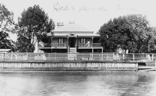 Top 59 ideas about vintage manly wynnum brisbane qld for Queensland terrace state library