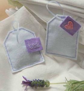 Profumabiancheria con sacchettini di lavanda a forma di bustina da tè – Cartamodello.