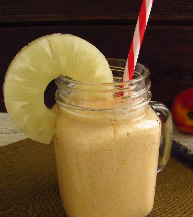 Peach and pineapple milkshake   Food From Portugal. With Summer tastes good a refreshing drink with seasonal fruit… Delight yourself with this recipe of peach and pineapple milkshake! Serve cold…