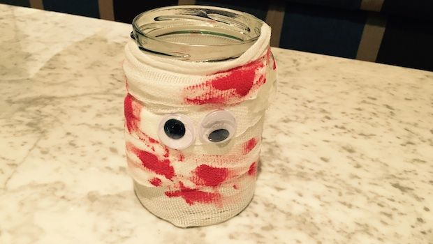 Making a scary mummy jar lantern