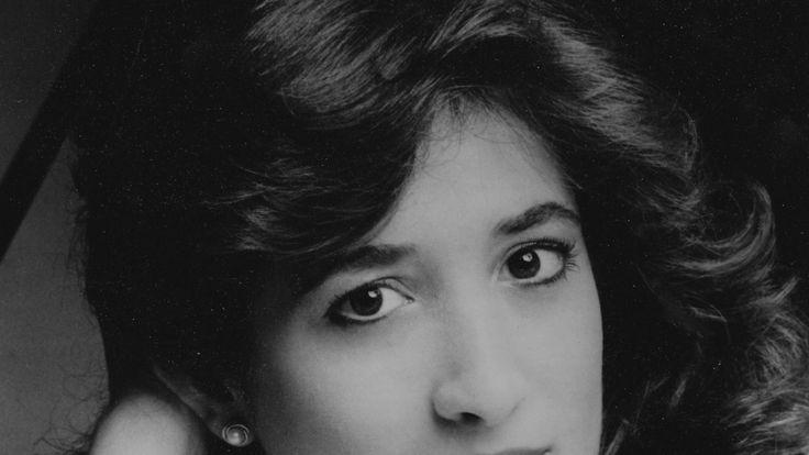 Susan Merdinger Plays Carnaval at Carnegie Hall in 1987  ||  Susan Merdinger (age 24) performs Schumann's Carnaval Op. 9 in her Carnegie Weill Recital Hall Debut, as a 1986 Winner of Artists International Young Musicia... https://www.youtube.com/watch?v=UmBbSp2k7Zg