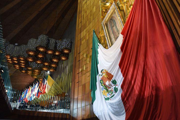 La noticia ha sido coloreada con ribetes de guerra cristera: el gobierno mexicano, encabezado por un presidente (Enrique Peña Nieto) emanado del Partido Revolucionario Institucional (PRI) se toma l…