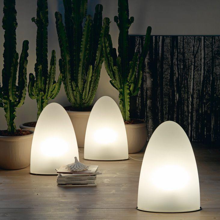 TIBEY Lampada da interno e/o esterno, applique e da tavolo con paralume in polietilene bianco. Versione C e OUTDOOR con base in acciaio inox.