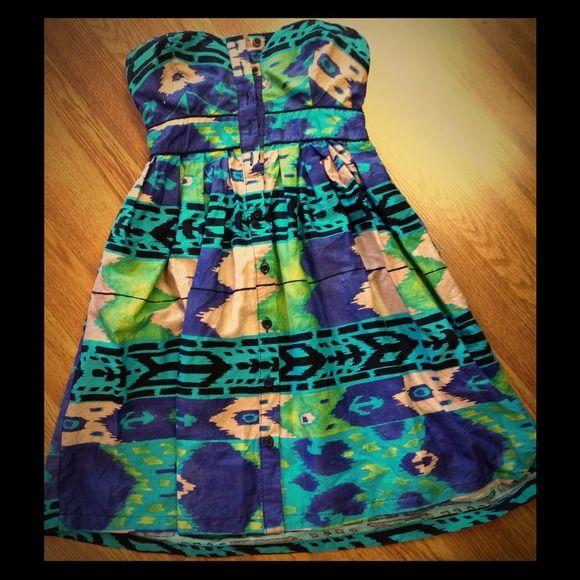 Aztec Strapless Dress Bright and trendy Aztec pattern , strapless dress. Excellent condition! Xhilaration Dresses Strapless