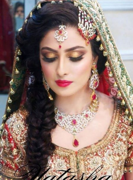 10 Indian Bridal Hairstyles for wedding, Reception etc