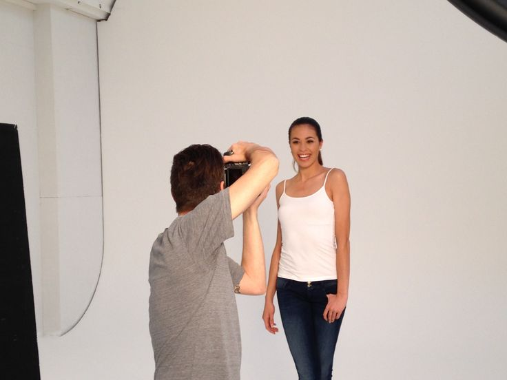 Behind the scenes vom Fotoshooting mit Miss Earth Schweiz Shayade Hug