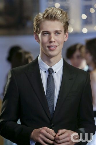 Austin Butler The Carrie Diaries 2013