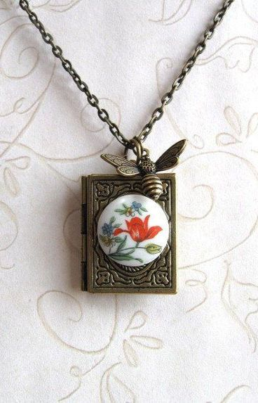 Bee locket necklace vintage glass cabochon
