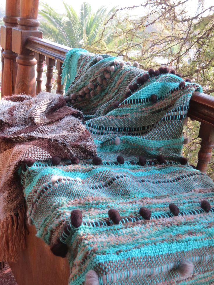Piecera hecha con hermosas lanas en mi nuevo telar de peine