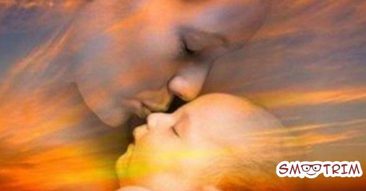 Материнская любовь-это очень мощно! Неважно, сколько лет вашему ребенку-5 или 45, благословить никогда не поздно! Нет сильнее оберега,чем благословение мамы. Ведь мама-самый главный человек в жизни. Если у вас маленький ребенок, который часто болеет-обязательно благословите его. Если у вас трудный подросток-благословите его. Если у вашего ребенка-все хорошо, то благословите, чтобы защитить от завистников. Не пожалейте …