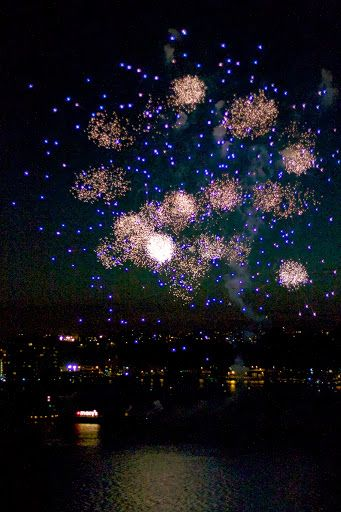 More than 40,000 pyrotechnic shells were fired off.