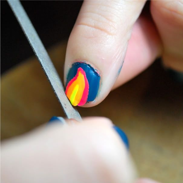 Ever wanted to paint pretty designs on your nails and it was impossible to do yourself because you have a dominant hand? | See more about Nails, Paint and Places.