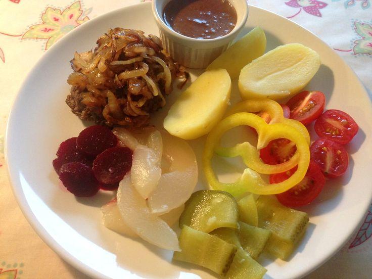 Bøf med løg - Madling.dk - En blog om mad, opskrifter og børneudflugter (recipe in Danish)