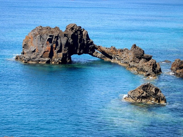 Elephant created by nature    		...in the bay of Sáo Lourenco, Madeira, Atlantic Ocean.