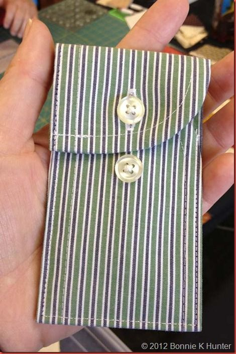 Isn't this CUTE! Bonnie over at Quiltville's Quips & Snips shared this idea of using shirt cuff for small pouch. Gonna make some of these :)
