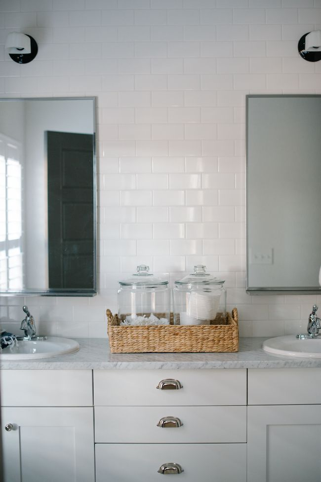 Vintage Whites Blog: An airy & Contemporary Home