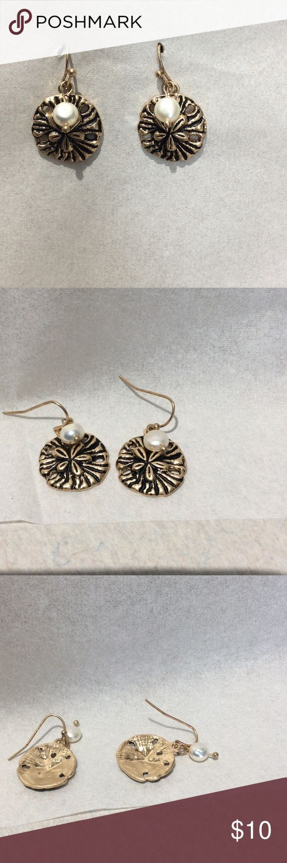 Gold Sand Dollar Earrings Gold Sand Dollar Earrings With Pearl brand new Jewelry Earrings
