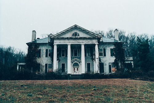 shitjimmyshoots:  Abandoned Plantation Manor (Virginia)